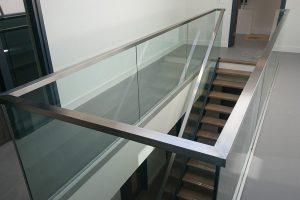 uniq-glass-balustrade